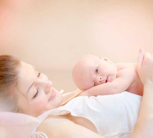 Consultation ostéopathie groupée pour la bébé et la maman à petit prix